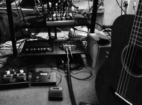 What's under the keyboard - Behringer UB1002FX mixer, JoeMeek VC3 compressor, Behringer V-tone Acoustic pedal, Vox Lil Looper, Vox footswitch, Korg pedal