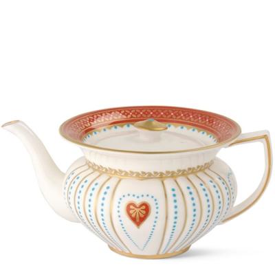Wedgwood_queen-of-hearts-teapot1
