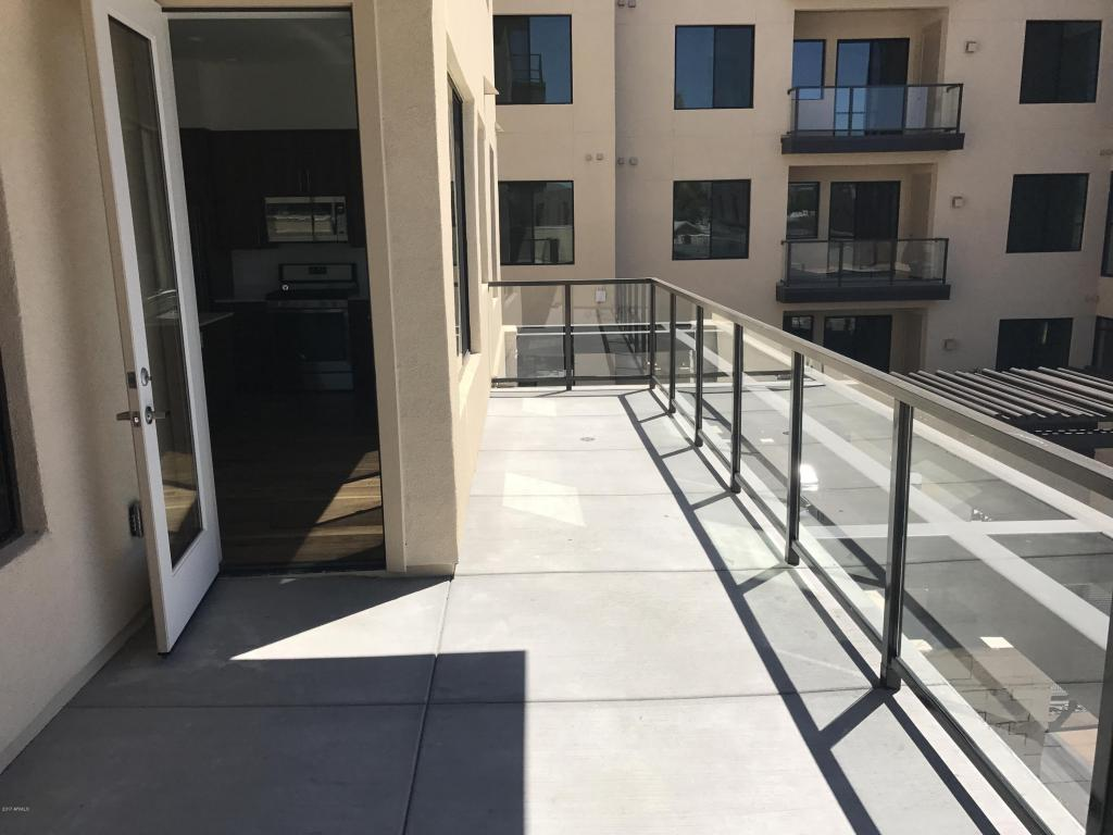 Quartz Balcony