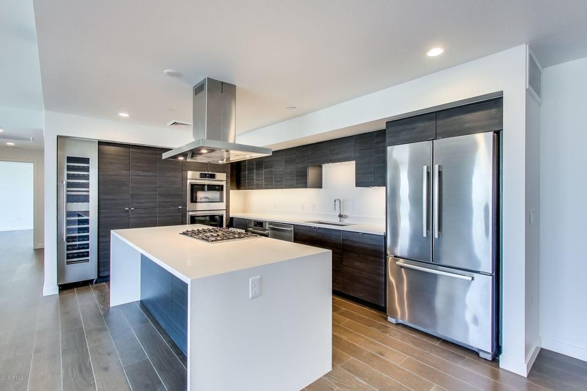 1220 Kitchen