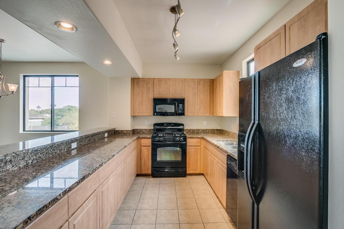 139 Kitchen 1