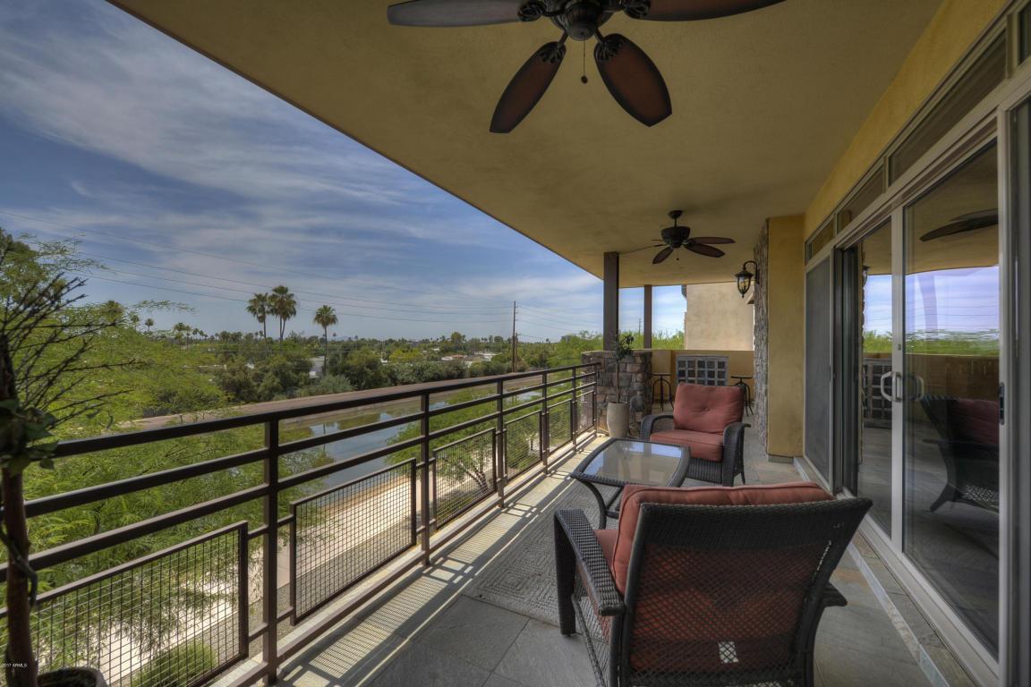 Balcony 3006