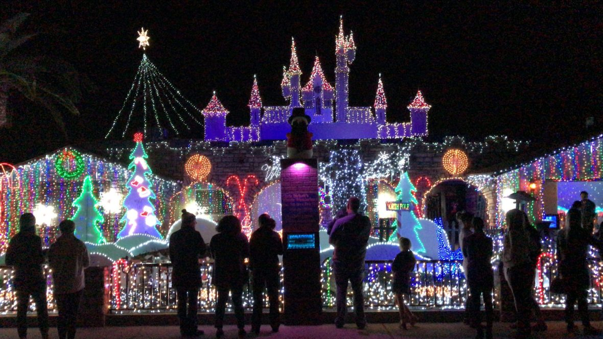 Christmas Lights 2020 85051 The Ultimate List of Holiday Lights in Phoenix   Phoenix With Kids