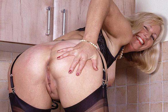 Mature sex slave pics