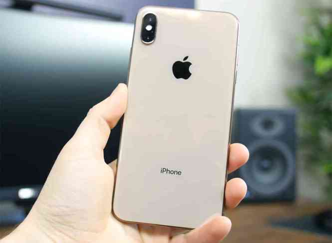 iPhone XS Max hands-on video