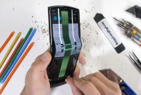 Moto Razr 2020 : Démontage du mobile