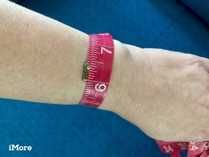 How To Measure Your Wrist for an Apple Watch Band using a tape measure