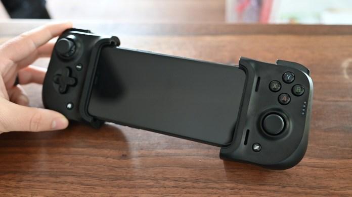 iPhone 11 Pro in the Razer Kishi