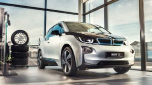 A front view of the BMW (BMWYY) i3 model.