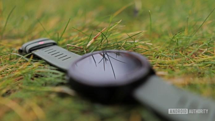 Polar Grit X On Grass