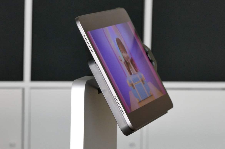 iPad speakers on the Kensington StudioDock