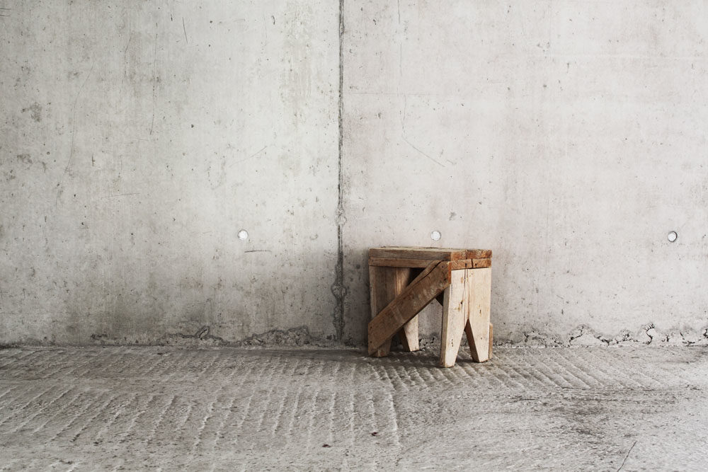 Ben Gowertt kunst art temporary still life 18, urban, ben gowert, photography, minimalism, abstract, fotografie, stuhl, textur, structure, artwork, jobs site, chair, abstrakt, installation, architecture, urban landscape, minimal visual arts
