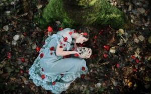 rosepetalsfallen
