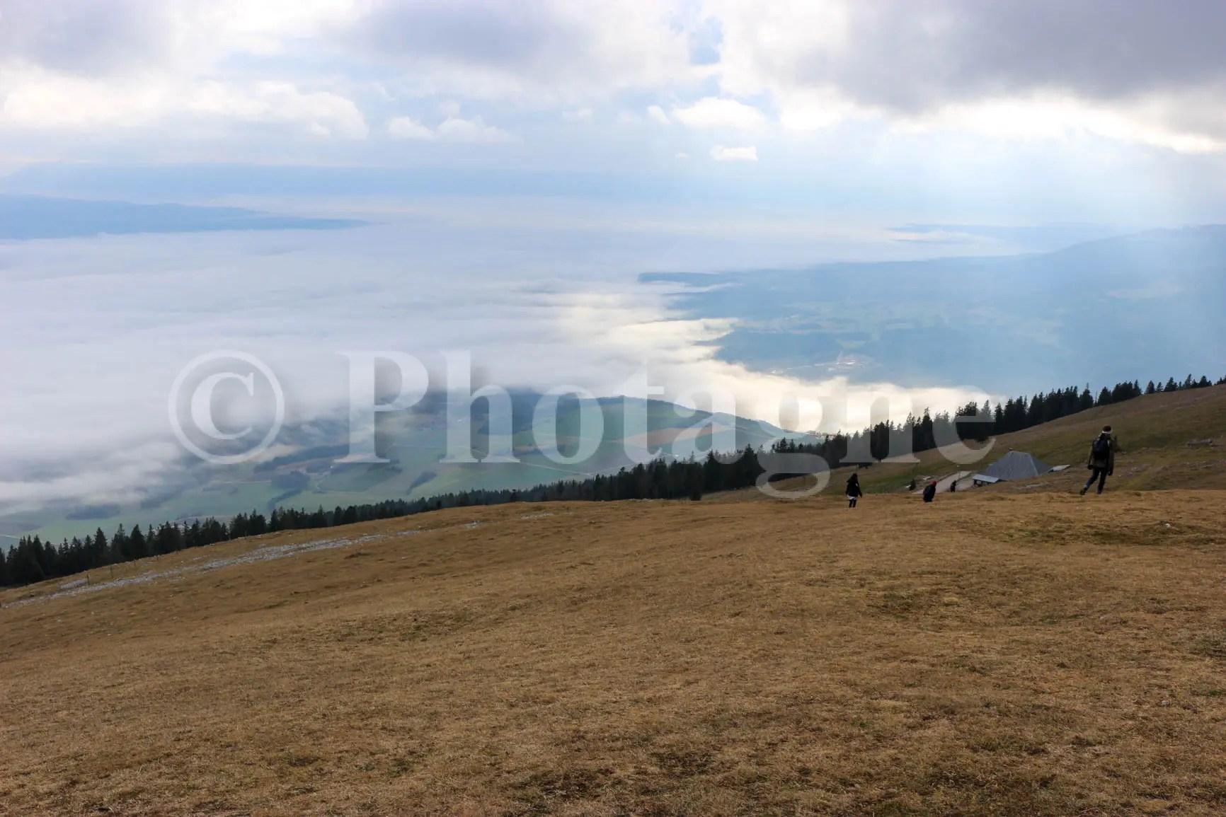 Vue sur la plaine Suisse depuis le Suchet