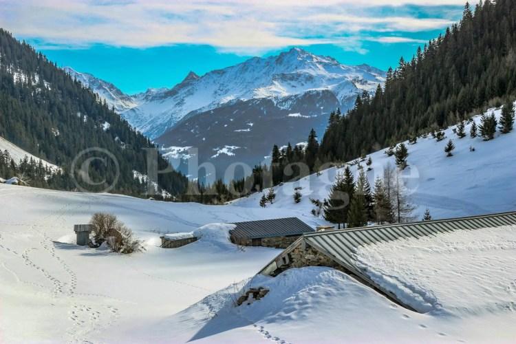 Le hameau de Laval sous la neige