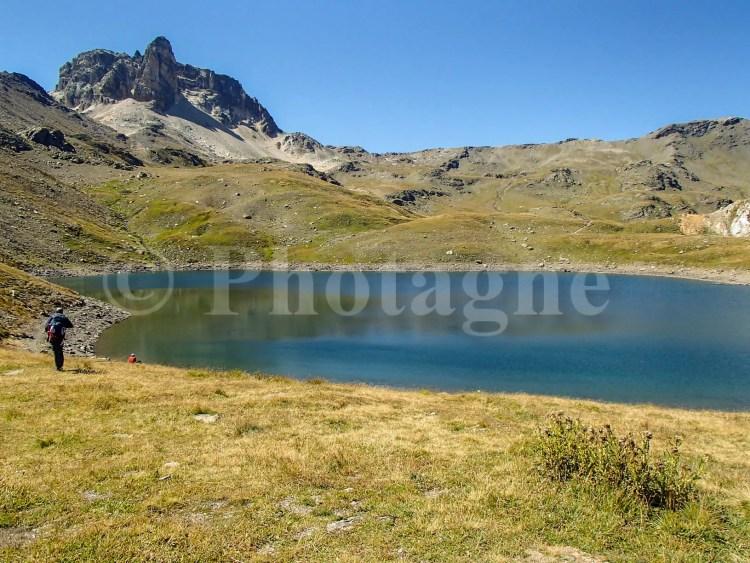 Le lac rond au refuge du Thabor