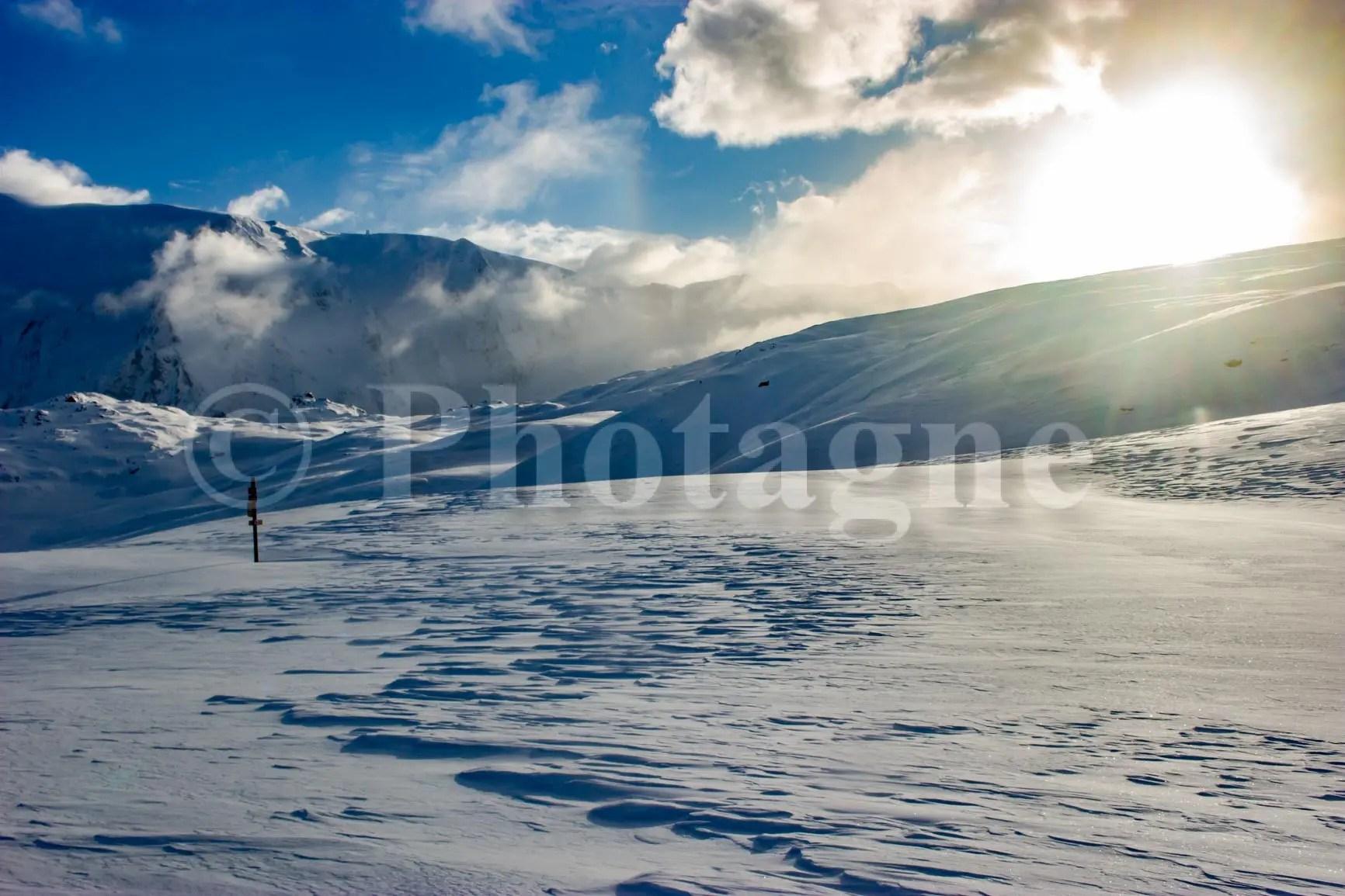 Le plateau d'Emparis en raquettes le soir en hiver