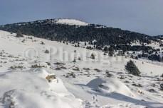 En partant vers la crête du Serra de Bac d'Ortella le matin, en raquettes dans les Pyrénées catalanes