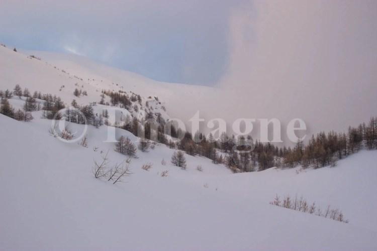En montant à la cabane de l'Alp, derrière la tête de Vautisse
