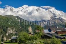 Ayères des Pierrières devant le Mont Blanc