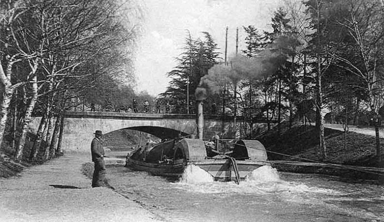 Bateau à Vapeur sur le canal