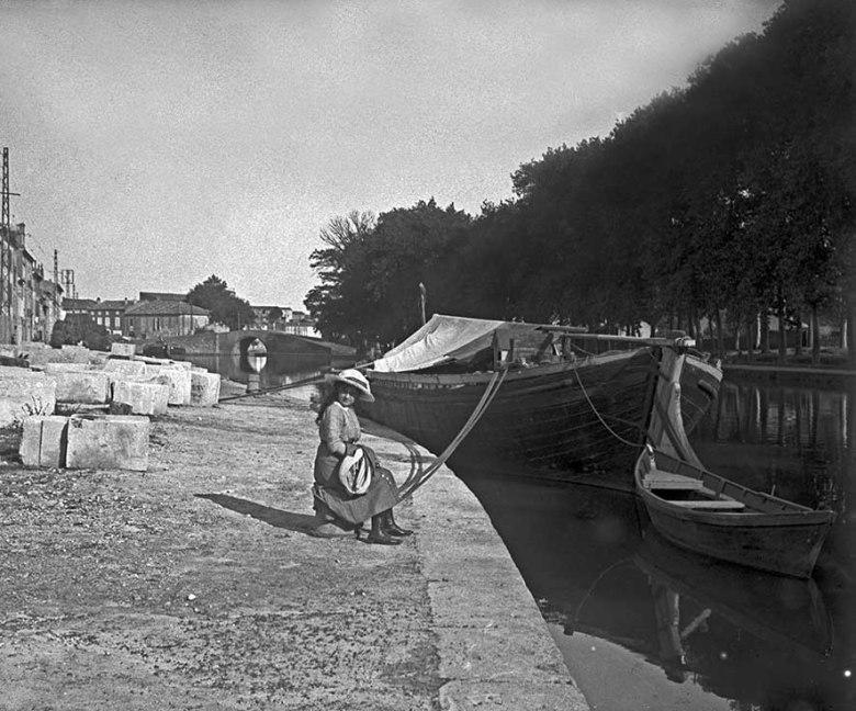 Bord du canal en 1912