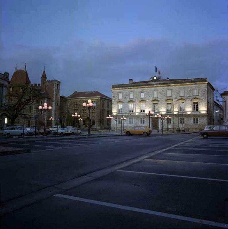 place-de-la-mairie-a-agen-en-1983