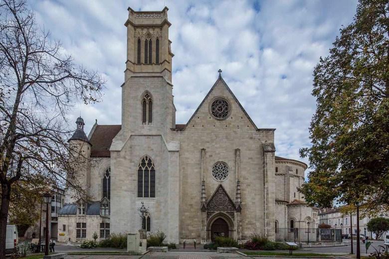 Cathédrale Saint-Caprais Agen vue du Parvis au sud-