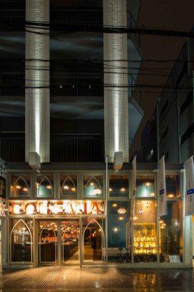 ナイトカフェの外観撮影のサンプル写真2