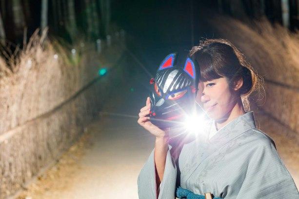 京都嵐山の竹林での夜のライティング撮影のサンプル写真