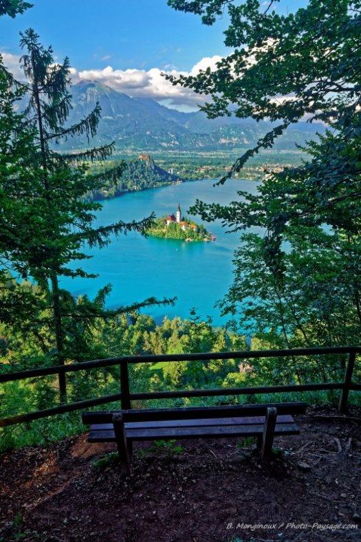 Le lac de Bled, une vraie perle slovène au cœur des Alpes juliennes. Cliquez cette image pour accéder à toutes les photos de Slovénie.