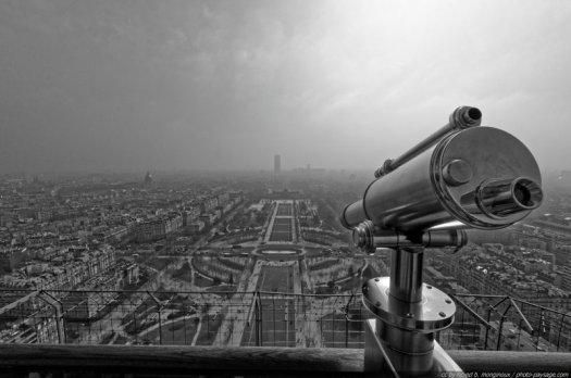 Le Champs de Mars, observé depuis la Tour Eiffel