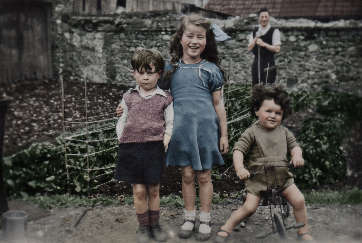 Photograph Colourisation UK