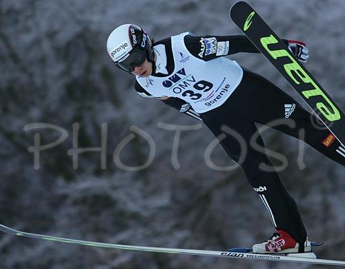 https://i2.wp.com/www.photo.si/img/sport/s_skijump_060202nw_0207.jpg