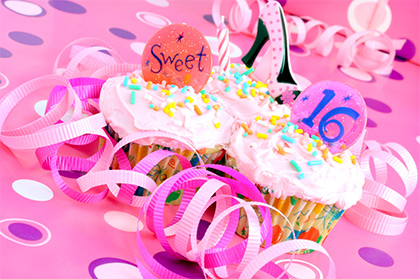 Sweet 16 party with cupcakes