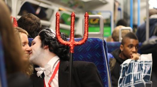 tube_halloween.jpg