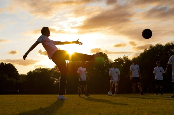 Peter Crouch training with the Sony Twilight team 2