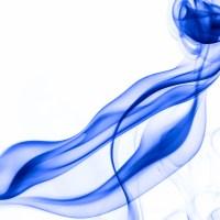 rauch 9 weiß blau - PHOTOGALERIE WIESBADEN - flamme rauch formen
