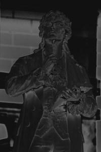 schillerdenkmal-staatstheater- PHOTOGALERIE WIESBADEN - dunkel-schwarz