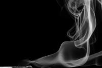 streichholzserie 3 - bild 1 (sw) - PHOTOGALERIE WIESBADEN - flamme rauch formen