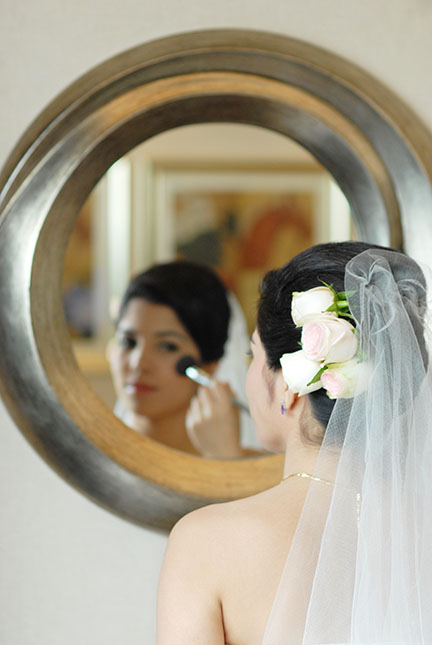 Toronto bride and mirror