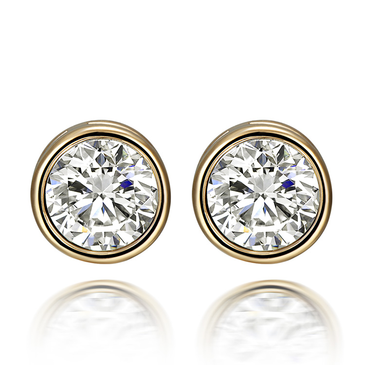 New York jewelry photographer Round Diamond Stud Earrings set Gold front