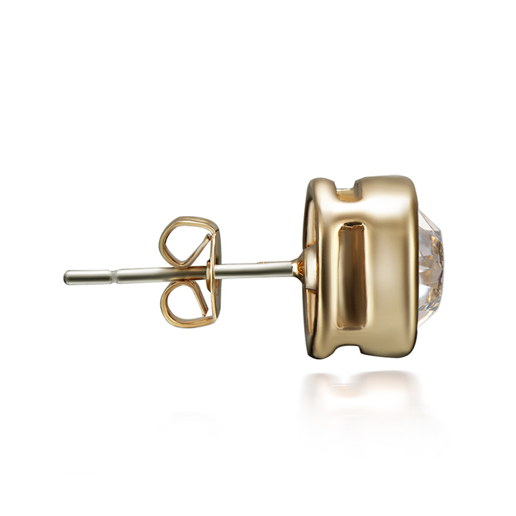 Round Diamond Stud Earrings set Gold side