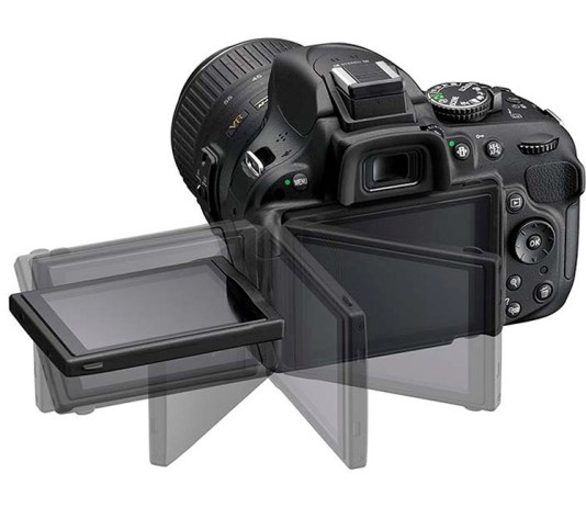 Nikon D5200 vari-angle screen