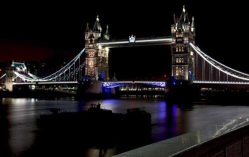 Accent lighting - Tower Bridge (London UK).