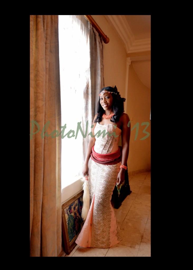 bride in traditional attire, photo nimi