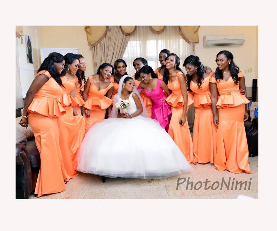 bride & ladies in peach, photonimi