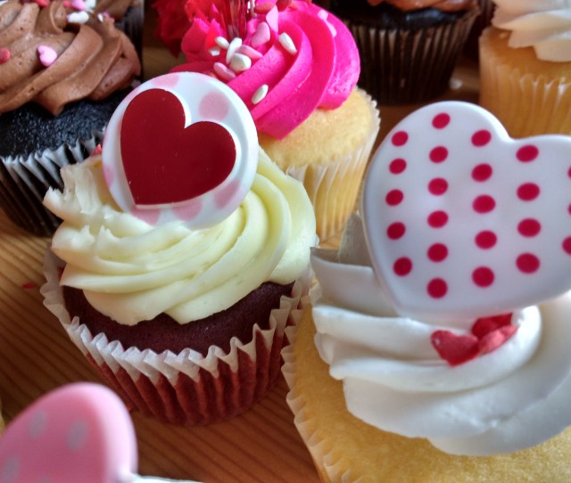 Click Here To Download Full Resolution Image Free High Resolution Photo Of Cupcakes With Hearts On Top