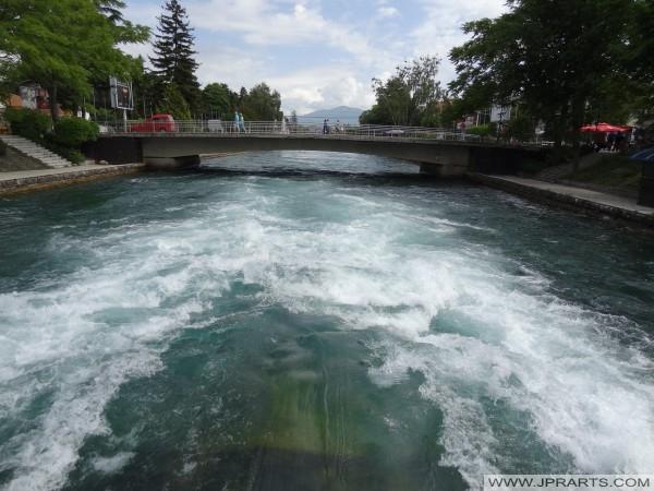 Ura mbi Drin i Zi (Maqedoni)