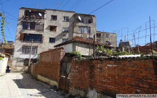 Стара улица во Поградец (Албанија)